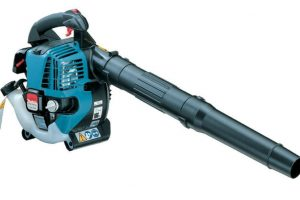 Best Commercial Leaf Blower – Top 3 for 2021